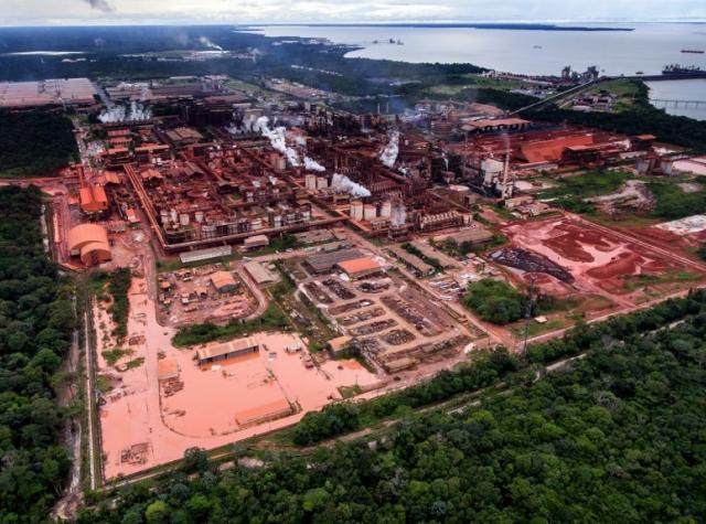 """Foto: Hydros anlegg """"Alunorte"""" i Barcarena, Brasil."""