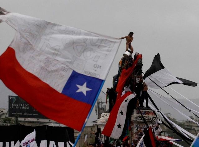 Foto: Demonstrasjoner i Chile 09.11.2020. Carlos Vera, Colectivo2+ på: Fotospublicas.com